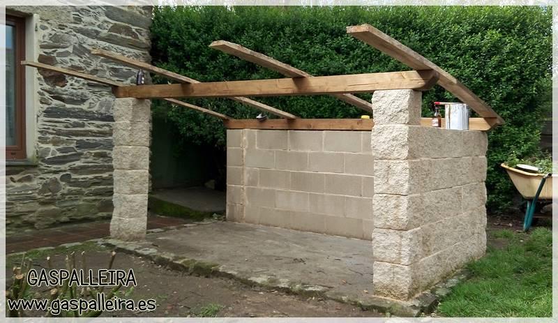 Construir una caseta para mast n del pirineo gaspalleira - Como hacer una caseta de obra ...